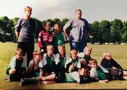 Sven Reinke (oben links) bereits als Jugendlicher an der Seitenlinie des SCS