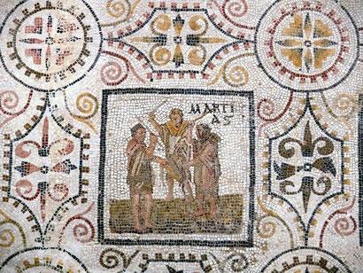 Parte di mosaico raffigurante il rito dei Mamuralia