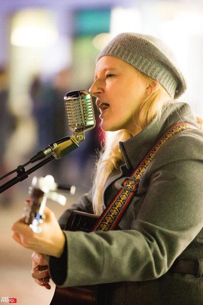 photos du concert de severine de close au Marché de Noël de Haguenau