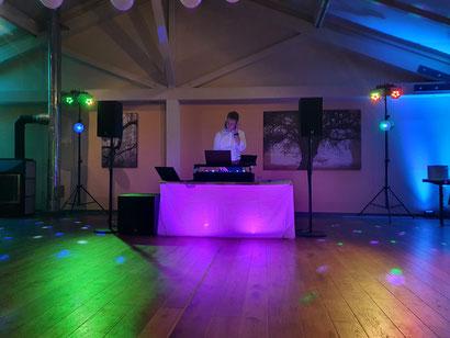 Ausfallsichere Technik, schönes Ambiente, Technik bei DJ Jan