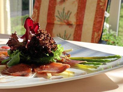 Frühlingssalat mit Spargel