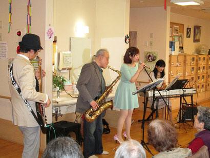 左からTakano、吉田さん、愛紗さん、Miyukiさん