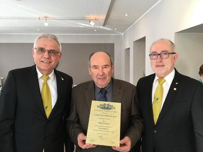 v.l.n.r.: Paul Knierbein (Vorsitzender), Wilhelm Krämer (Ehrenmitglied), Bernhard Gärtner (Kassierer)