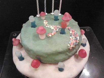 4 ans de Nathan : gâteau schtroumpf