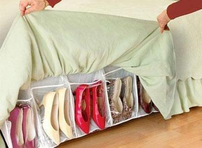 Guarda algunos zapatos bajo la cama - www.AorganiZarte.com
