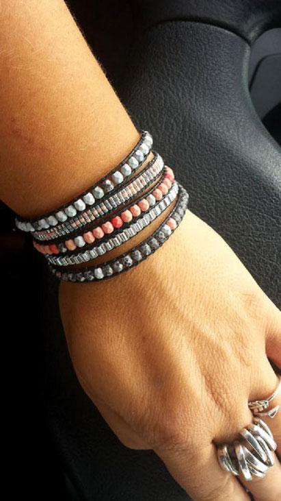 Bracelet manchette wrap ROMEO 5 tours corail, gris argenté perles et cuir