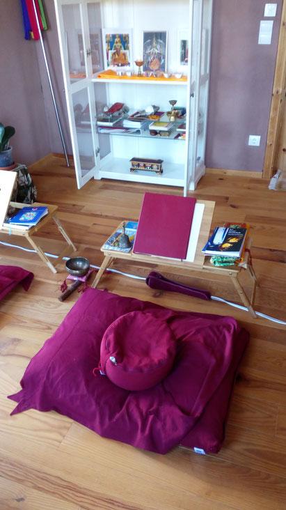 Meditationskissen und Klangschale