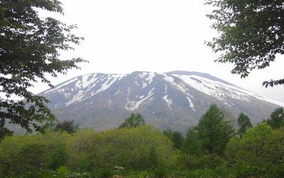 岩手山が迫って見えます。登るのが楽しみ!!