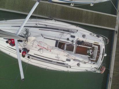vue du haut du mât d'un voilier