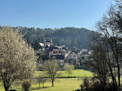 Vaysse ligt midden tussen heuvels en bossen