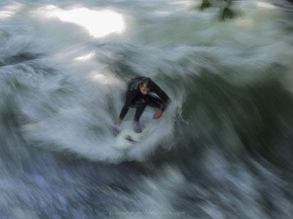 Surfen am Eisbach,Eisbach, Surfen in München