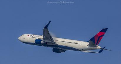 Delta Airlines/B767-332(ER)/N1602