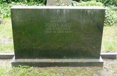 Grab von Julius Katz auf dem alten jüdischen Friedhof in  Bettenhausen. Das Grab von Bertha Katz ist der Friedhofsverwaltung nicht bekannt.