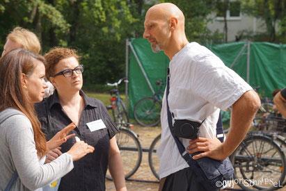 die Macherinnen von Moabit hilt! Berlin Christiane und Diana im Gespräch mit Marco im Sommer 2015