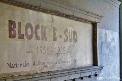 in einem unscheinbaren Durchgang zwischen Weberwiese und Frankfurter Tor findet man diese Relikte der Entstehungszeit