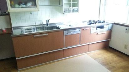 流し台だけ新しくしたキッチン
