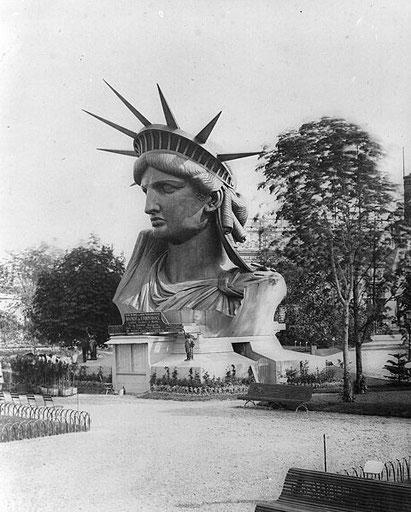 Rostro de la estatua en la Exhibición Universal de París en 1878.