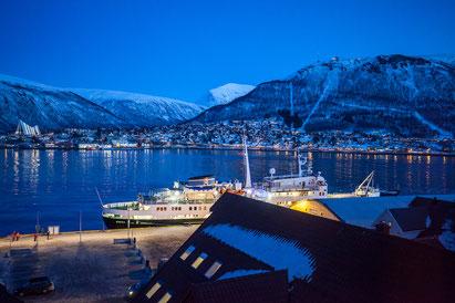 Hurtigrutenschiff Lofoten