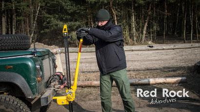 Einsatz eines Hi-Lifts beim Offroad Intensiv Training - Red Rock Adventures