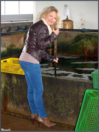 """Caroline Grossot, à """"La Cabane à Ludo"""" au Port du Canal à Gujan-Mestras,  Bassin d'Arcachon"""