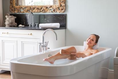 Ein entspannendes Vollbad zur basischen Körperpflege