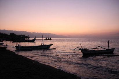 les bateaux de pêcheurs à Lovina