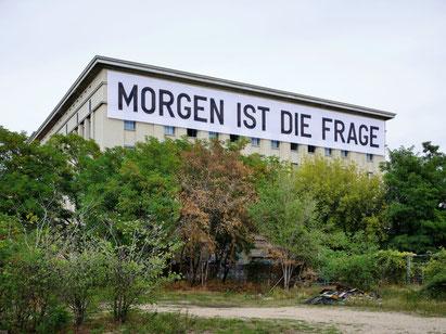 STUDIO BERLIN/ Berghain, (c) Rirkrit Tiravanija, courtesy neugeriemenschneider Berlin, Foto: Noshe