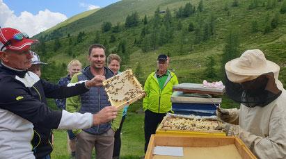 BZV Malta: Wanderung zum Bienenstand auf die Maltaberger Alm