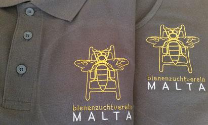 Die neuen Vereinsleibchen des BZV Malta mit gesticktem Logo