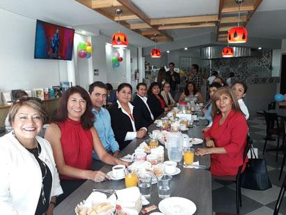 Festejando nuestro día en el Restaurant Los Petates.