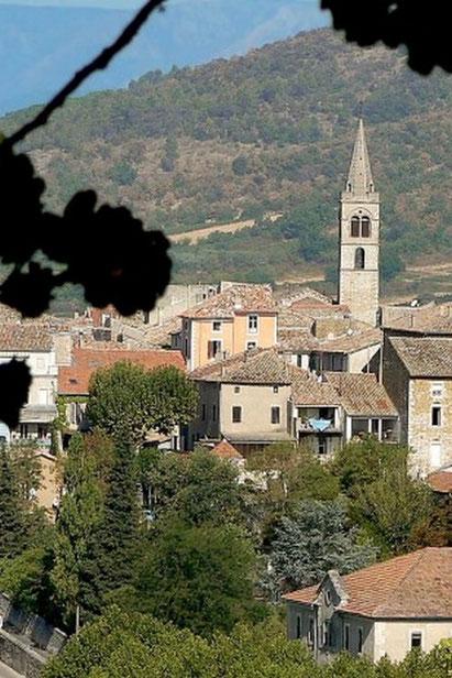 Le village de Vallon Pont d Arc à quelque kilomètre du célèbre Pont d Arc et des Gorges de l Ardèche