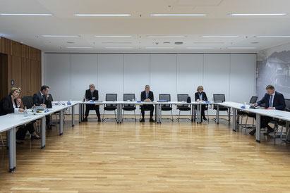 Verwaltungsvorstand beim Pressesgespräch  in Coronazeiten   - Pressestelle Stadt Gelsenkirchen
