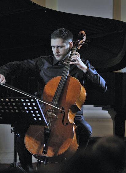 Cellounterricht in Hannover- auch bei Ihnen zu Hause