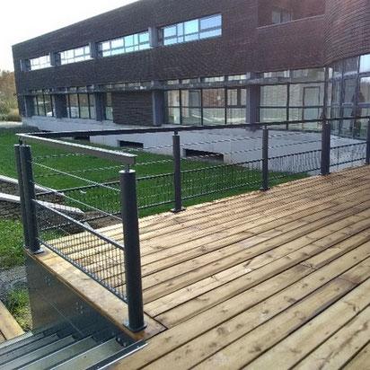 Terrasse en bois réalisée par ACMB Charpente metallique construction Brioux 79