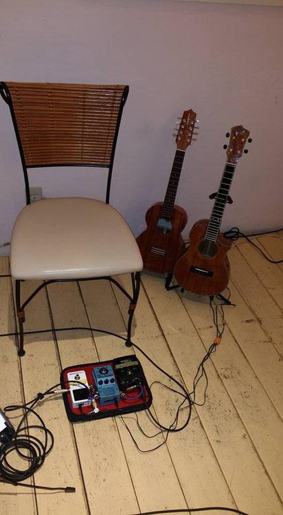 おくむらあゆみさんライブ!4弦と8弦の2本のウクレレを使いました♪