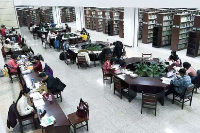 中国 大連外国語大学 図書館館内