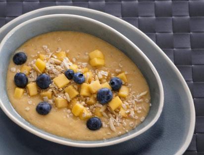 Tropical Smoothie Bowl | clean, fruchtig & gesund