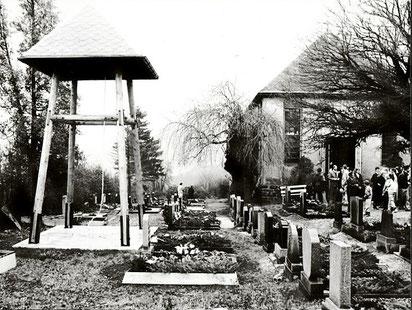 Bild: Teichler Friedhof Wünschendorf Erzgebirge 1988