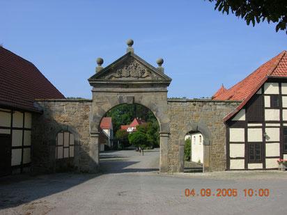 Einfahrt zum Rittergut Bockerode heute