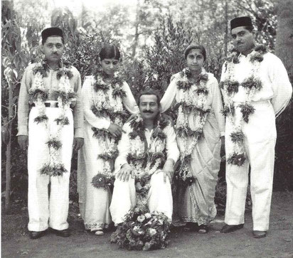 Meher Baba blessing the newly weds on their wedding day ; Savak & Meheru Damania and Eruch & Khorshed Jessawala :  Glow mag. Feb.2001