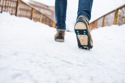 Nordic Grip WALKING - gehärtete Stollen hinten und vorne