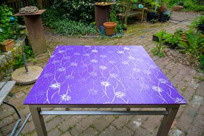 Unser Terrassentisch mit bedruckter Holzplatte
