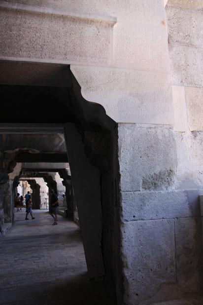 Bild: Amphitheater, Nimes