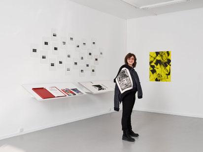 Véronique Bacchetta, directrice du Centre d'édition contemporaine, lors de l'exposition Spring Sale Time, 19.02 – 4.05. 2019, CEC, Genève. Courtesy CEC, Genève. Photo : © Sandra Pointet