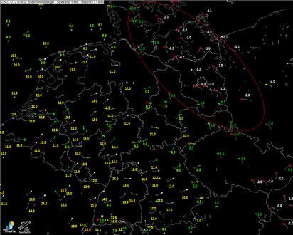 © Welt der Synoptik | Wetterzustand, Temperatur- und Windverteilung (Datenbezug: Metwatch) während einer Glatteislage im Nordosten Deutschlands am 23.12.2012 um 15:00 MEZ.