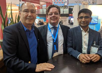 Photo (l – r): Des Vertannes, Chairman e-CARGOWARE / Simon Milne, Sr VP MetroJets / Ramesh Darbha, CEO e-CARGOWARE
