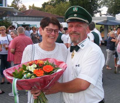 Kaiser Hans-Christian Lummer mit Ehefrau Gabi.
