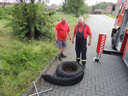 Na mit diesem Rad ist wohl nicht mehr viel los, man gut dass es bei einer Bewegungsfahrt und nicht während eines Einsatzes passiert ist.