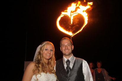Hochzeitsshow, Feuershow Hochzeit, Hochzeit, brennendes Herz, Feuerherz, Flammen der Liebe, Flammen der Leidenschaft, Feuer, Brautpaar, Feuershow Haltern am See, Feuershow Recklinghausen, Feuershow Bochum, Feuershow Dortmund, Feuershow Sauerland