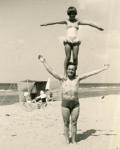 Travemünde 1963 - Marina mit Vater
